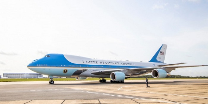 Air Force One arriving at London Stansted