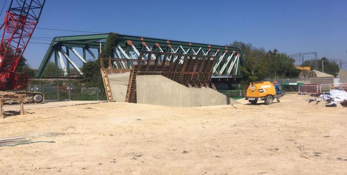 Abbey-Chersteron Bridge construction