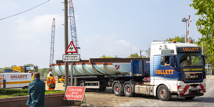 Abbey Chesterton Bridge being delivered