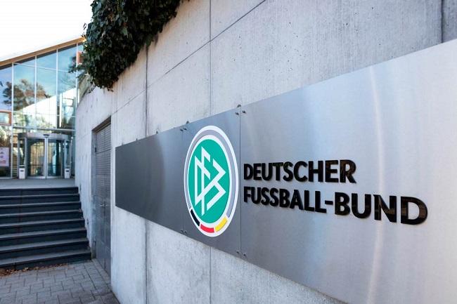 Deutscher Fußball-Bund sign outside building