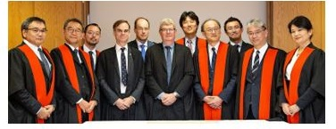 Representatives from Hitachi and Cambridge renew 30 year research partnership