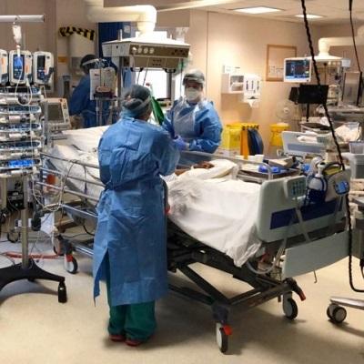 Medics at work in the intensive care unit (ICU)