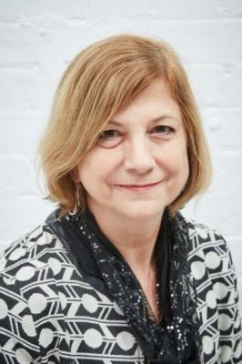 Headshot of Jackie Hunter