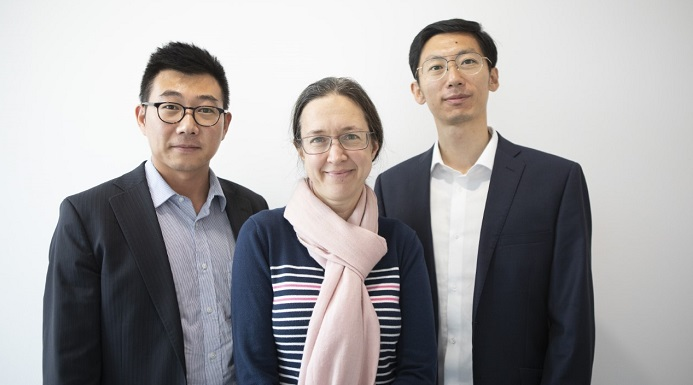 Poro Technologies co-founders (left to right): Dr Tongtong Zhu (CEO), Professor Rachel Oliver (CSO), Dr Yingjun Liu (CTO