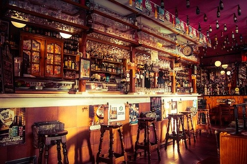 Bar in a pub: Image by David Mark from Pixabay