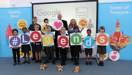 Cambridge MP Daniel Zeichner last week visited Bewick Bridge Community Primary School at Fulbourn to discuss online safety