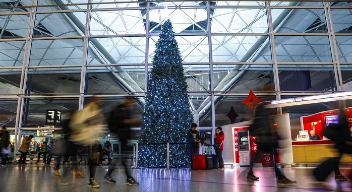 christmas tree at stansted airport