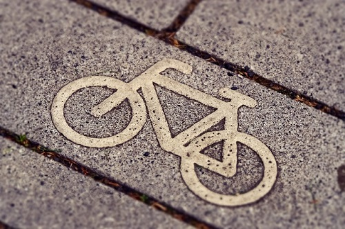 cycle path sign Image by Michael Gaida from Pixabay
