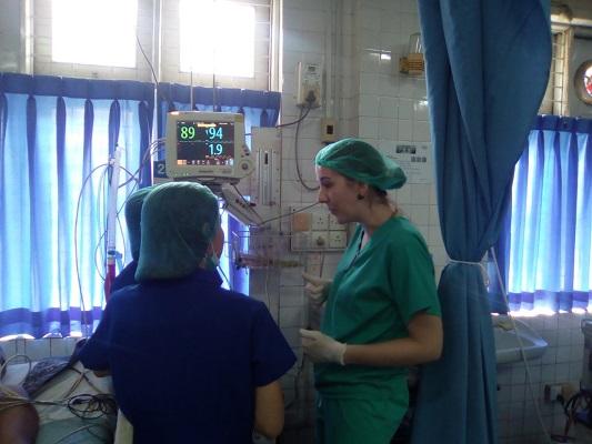 Nurse duo tell of critical care work overseas | Cambridge Network