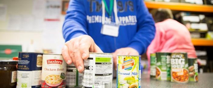 volunteers-prepare-essential-food-bank-supplies-credit-trussell-trustsmart
