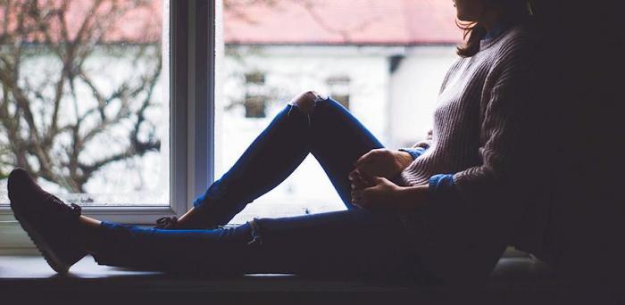 Woman at home alone  Credit: Pixabay